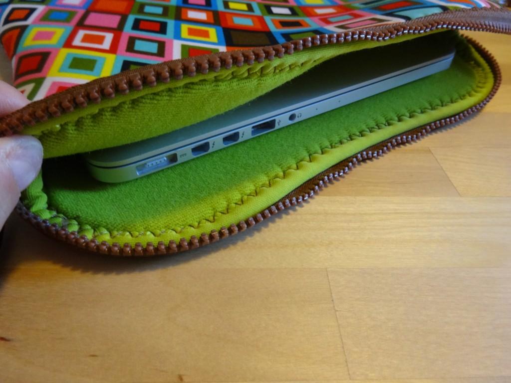 BUILT NY Macbook 13 ケース