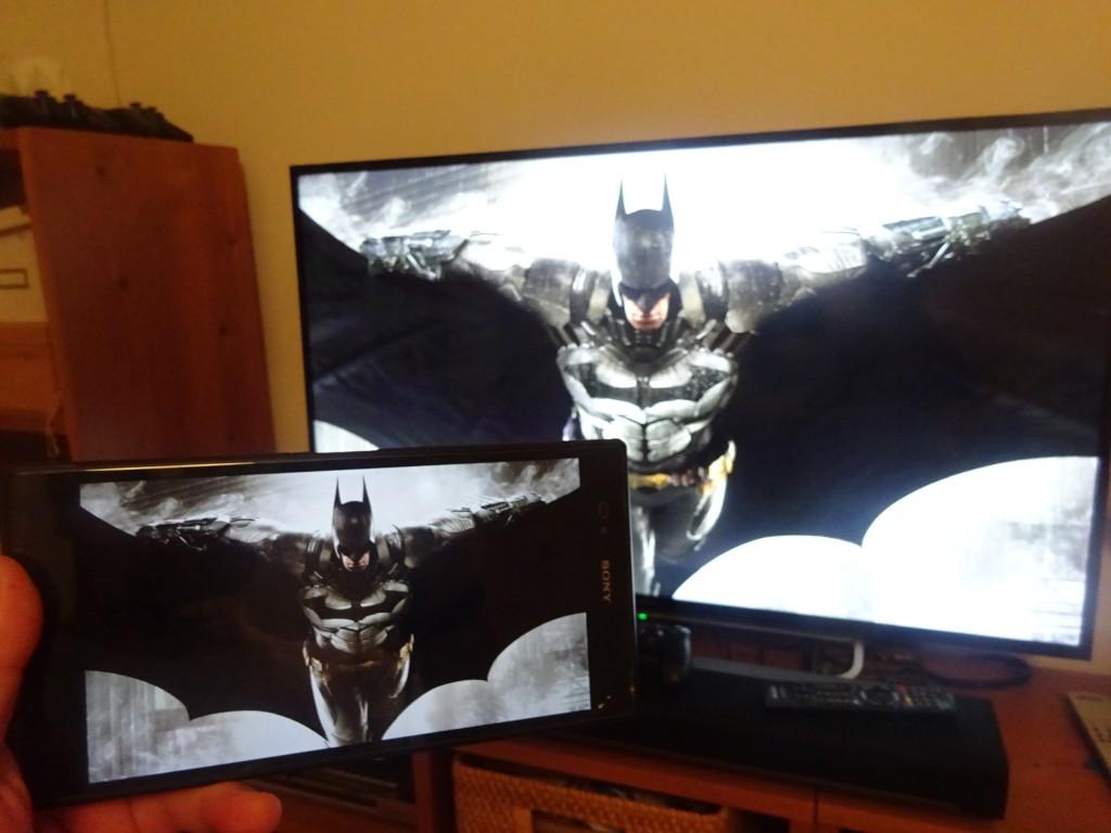 バットマンをプレイ! ちなみに遅延はそこそこあるし、ボタンのレイアウトもやはり無理があるから、アクション系はちょっとキビしいかなー