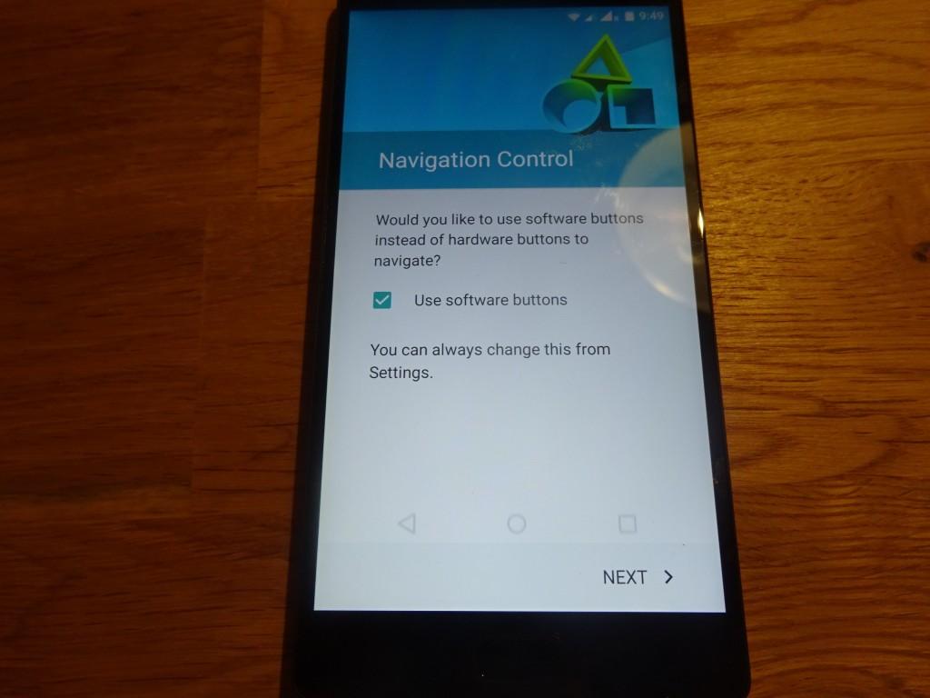 Navigation用のキーを表示させると、LCD内に◁○□ボタンが表示される。rakeem的にはこれは不要。