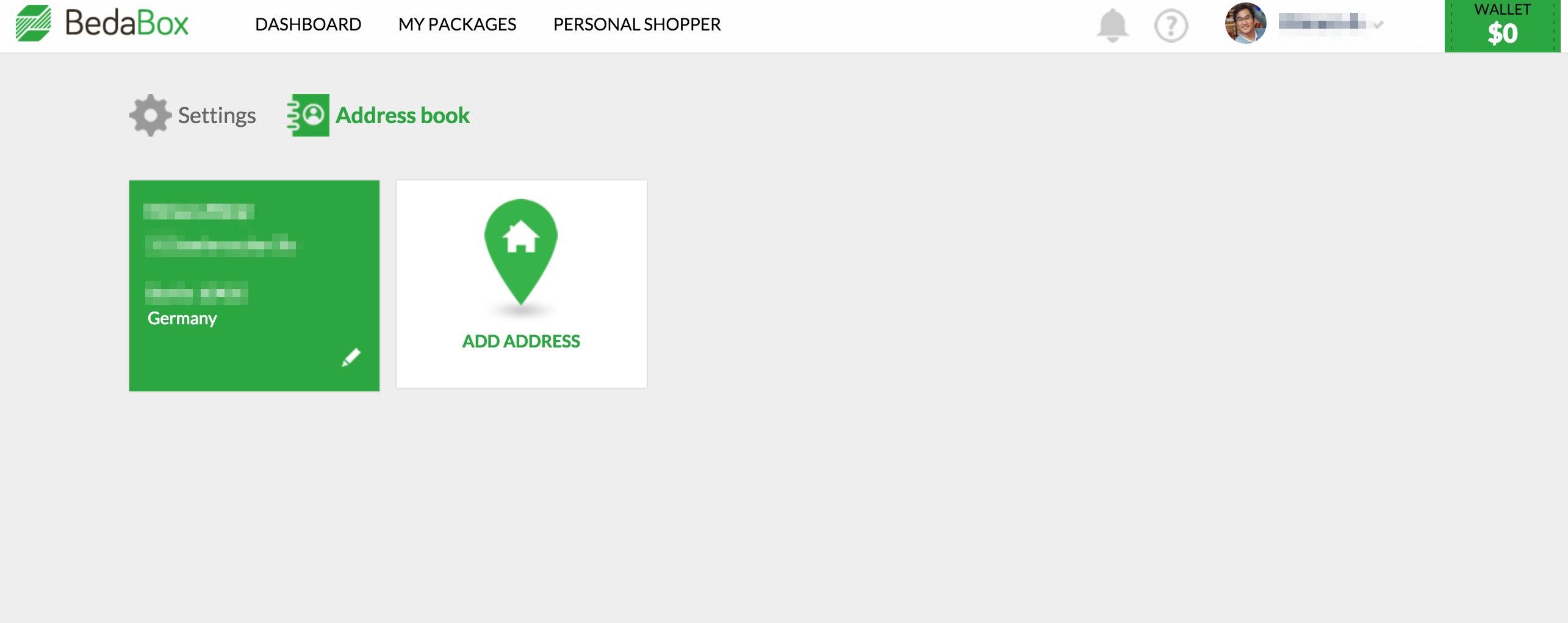 住所登録画面。何個でも、どの国でも登録できるもよう。UIは非常にクリーンで洗練されているー
