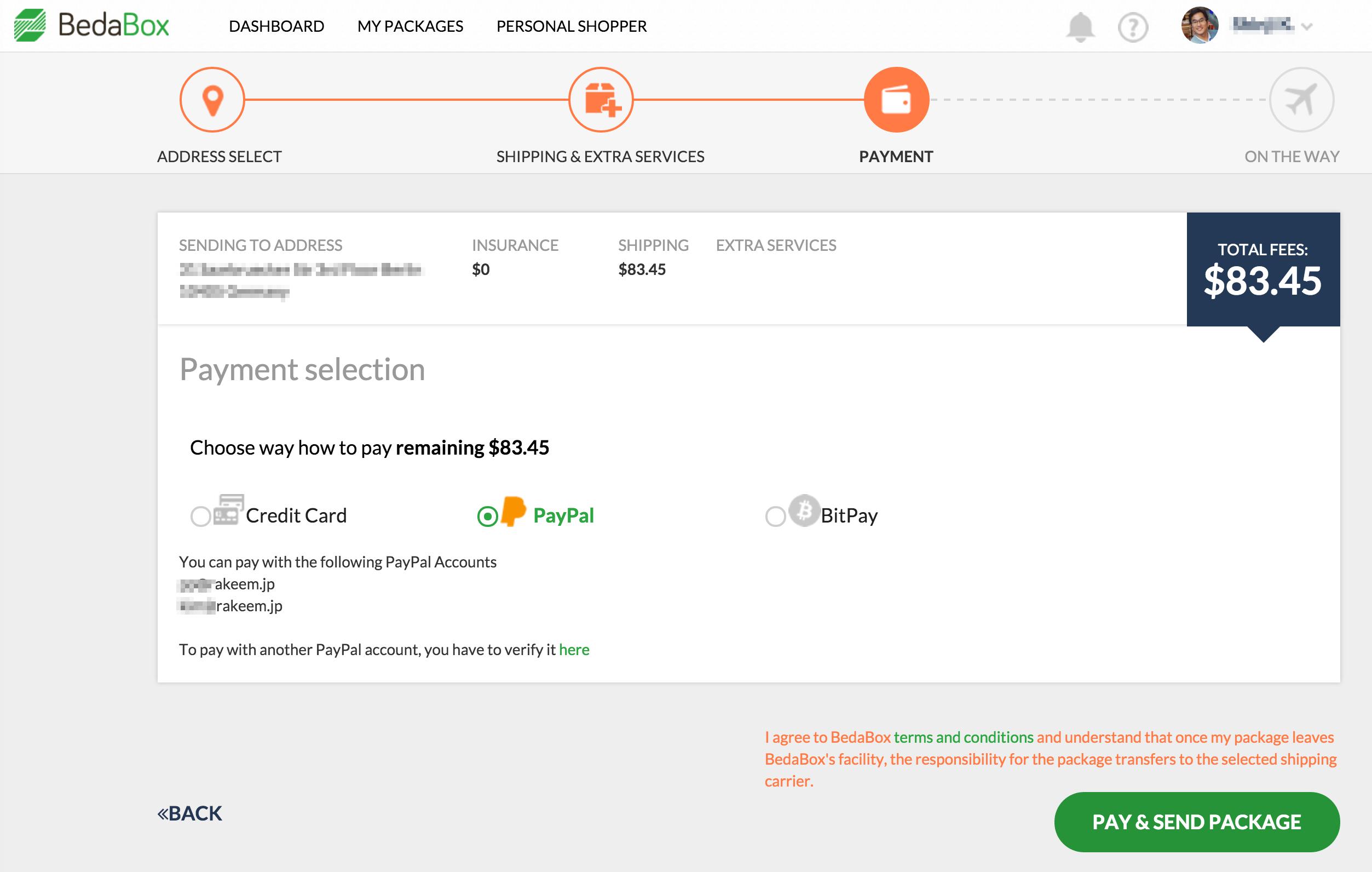 決済は、クレジットーカード、PayPal、さらにはBitCoinでの選択ができる。 rakeemはPayPalを選択!