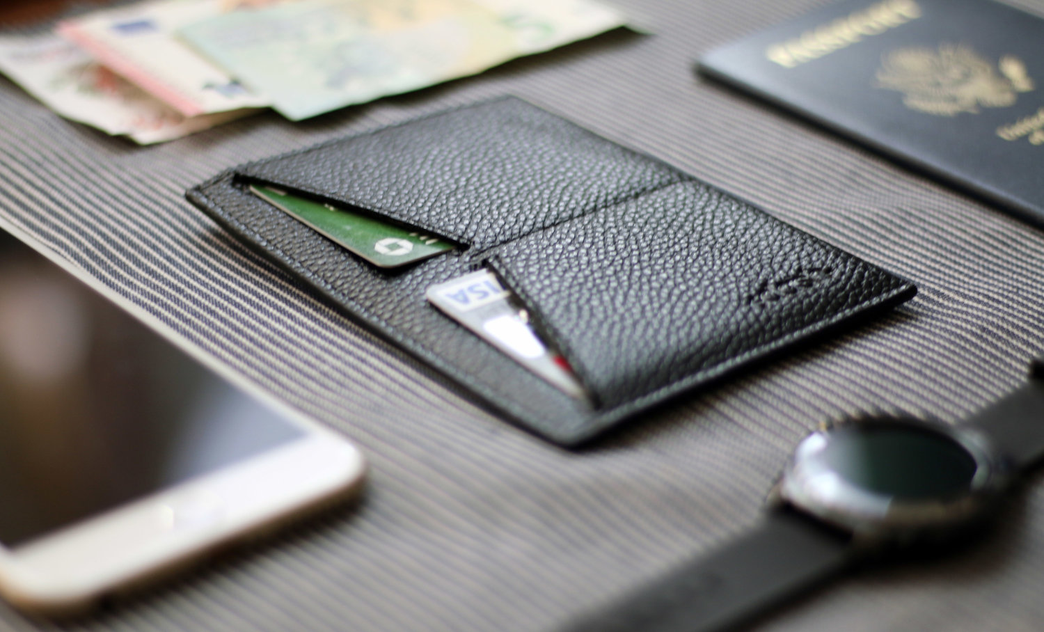 Dash Minimalist Travel Wallet